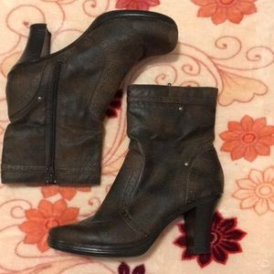 Mid Woman's boots brown 9.5 inches total